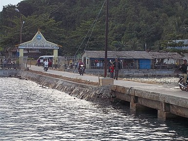 Serasan Harbor, Natuna Islands, Riau Islands Province, Indonesia. Image Credit: a_rabin via Wikimedia Commons